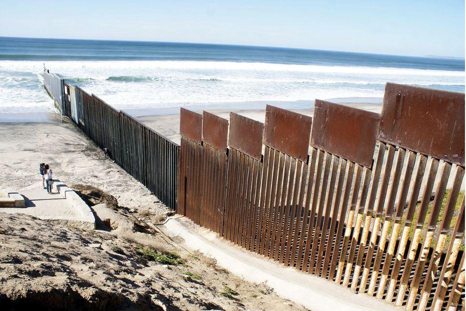 Begunci, zid - Mehika