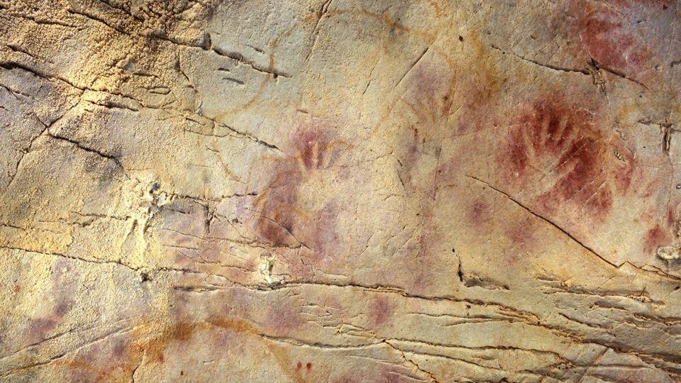 Stenske poslikave v jamah