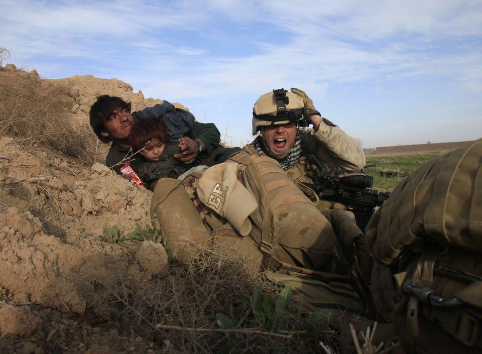 Ameriški vojak pod ognjem  Vir: Twitter
